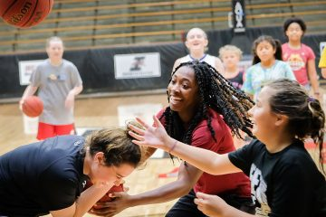 Women's Basketball – Team Camp